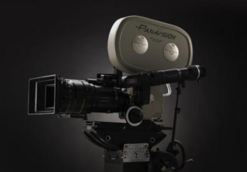 Panavision的新电影摄影机准备与Red和Arri对抗