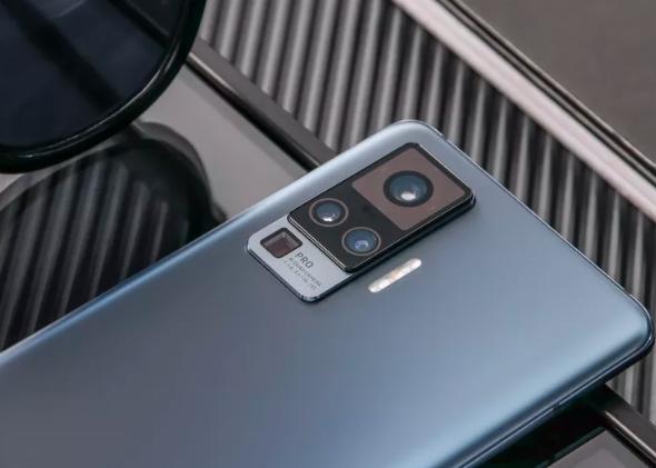 Vivo宣布X50旗舰系列采用万向节式相机
