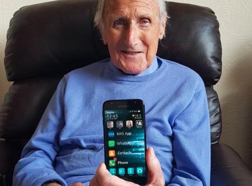 三星推出老年人的新启动器应用程序