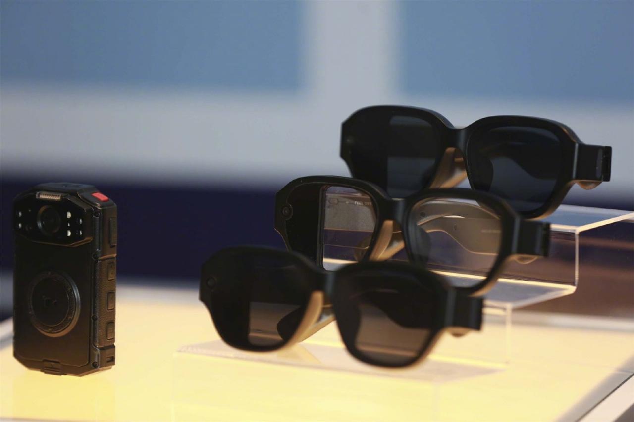 酷派发布国内首款无线多合一AR眼镜售价428美元