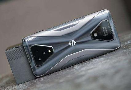 小米智能手机黑鲨3S上市