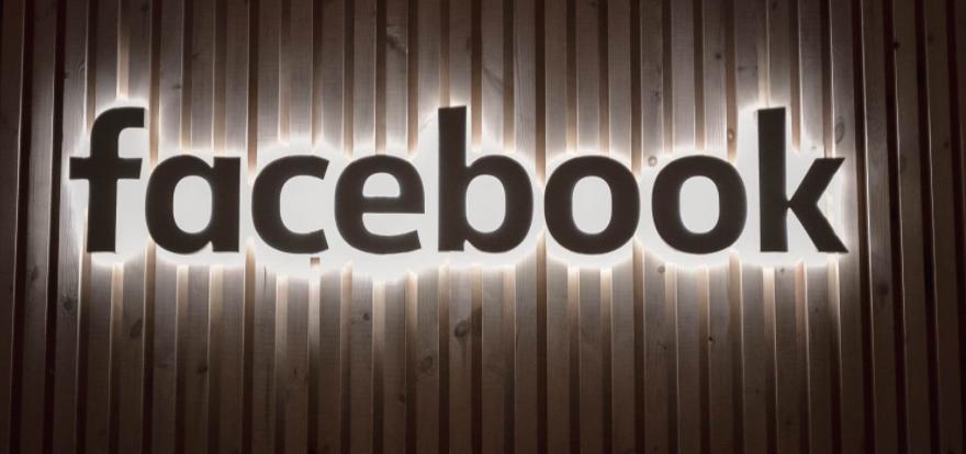 """苹果指责Facebook""""收集了太多数据"""""""