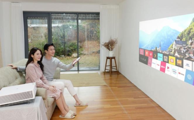 LG推出了支持4K的投影仪:LG CineBeam Laser 4K