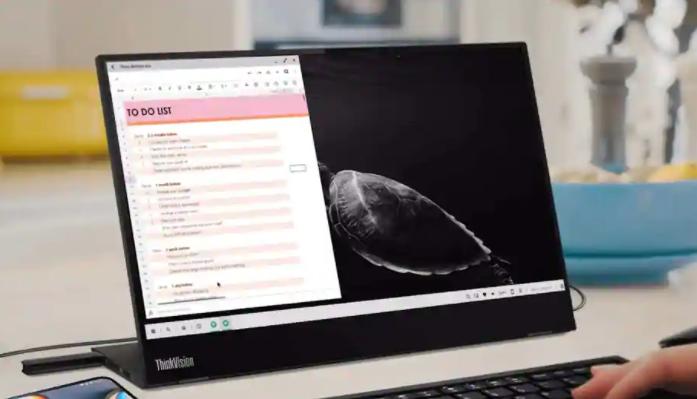 """摩托罗拉在高通骁龙峰会期间展示即将到来的""""桌面模式''"""