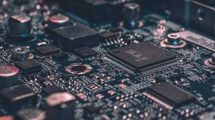 老式芯片制造工具助长全球半导体短缺的热潮