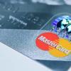 三星万事达卡推出带有指纹传感器的支付卡