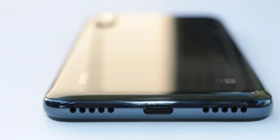 小米开发具有光致变色/电致变色背部的手机